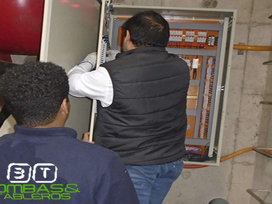 Mantención de tableros electricos para bombas de agua .- galería